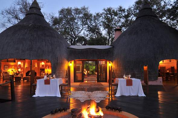 An evening of fine dining at Hoyo Hoyo Safari Lodge.