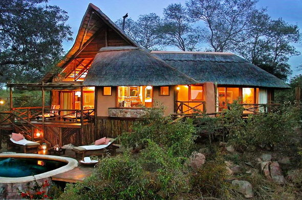 Luxurious accommodation in the Premier Suite at Lukimbi Safari Lodge.
