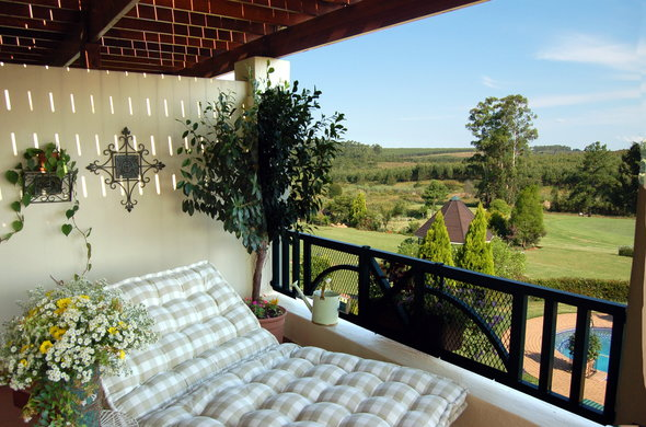 Stunning bush and country views at Olivers Restaurant & Lodge in White River.